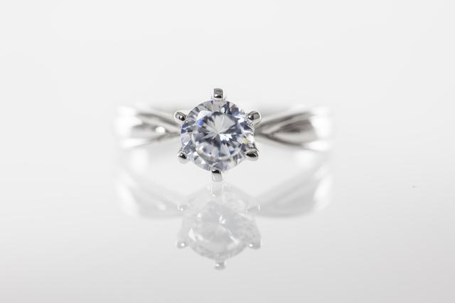 ダイアモンドは永遠の輝き?